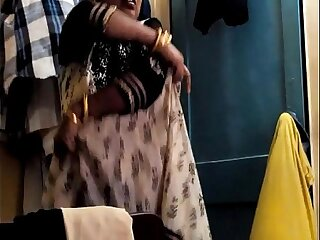 Desi Randi Bhabhi Changing Clothing 69